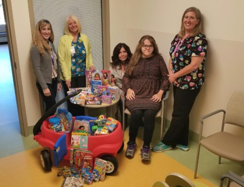 How Makenzie, 18, makes Christmas magic for Pediatrics